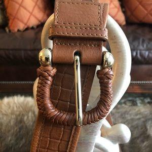 New authentic Burberry Horseshoe Leather Belt